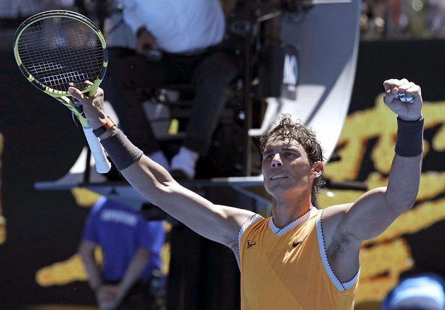 Také jeden ze spolufavoritů Rafael Nadal začal v Melbourne vítězstvím.