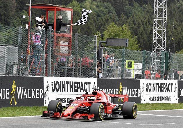 Velkou cenu Belgie formule 1 vyhrál Sebastian Vettel na Ferrari.