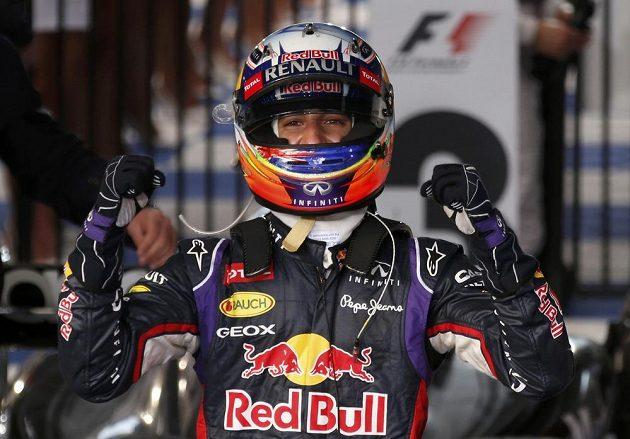 Australan Daniel Ricciardo si při premiéře v týmu Red Bull dojel před domácím publikem pro druhé místo.