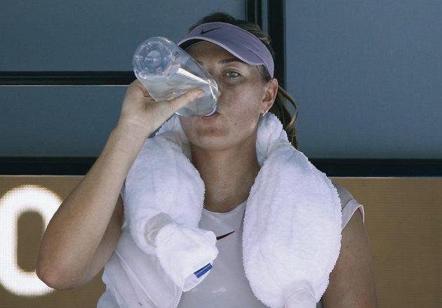 Maria Šarapovová se také musela osvěžit.