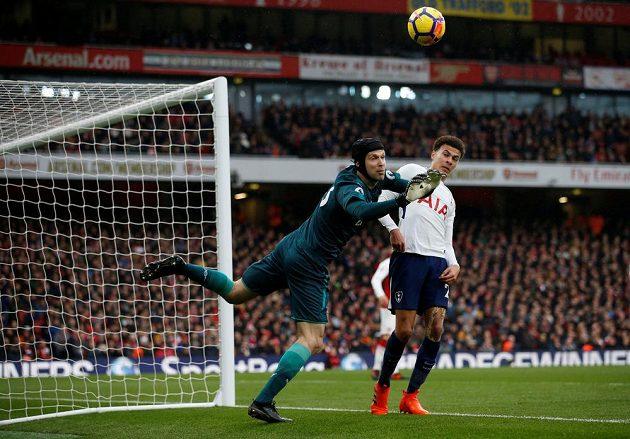 Petr Čech z Arsenalu vychytal proti Tottenhamu pátou nulu v sezóně.