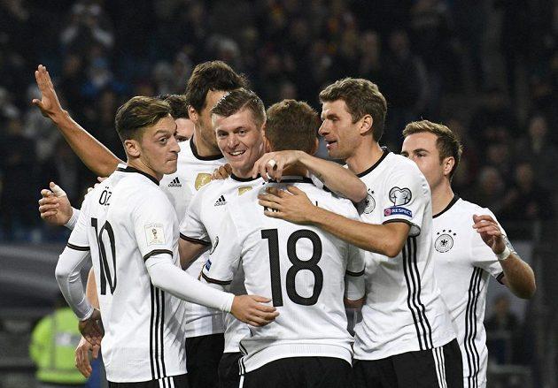 Německá radost po jednom z gólů proti Česku.