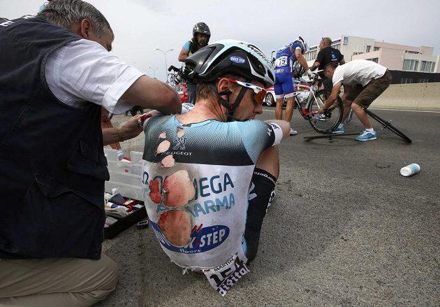 V péči lékařů skončil po pádu i vynikající německý časovkář Tony Martin ze stáje Omega Pharma Quick Step.