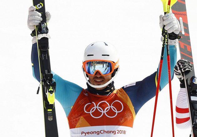 Vítěz olympijského slalomu - Švéd André Myhrer.