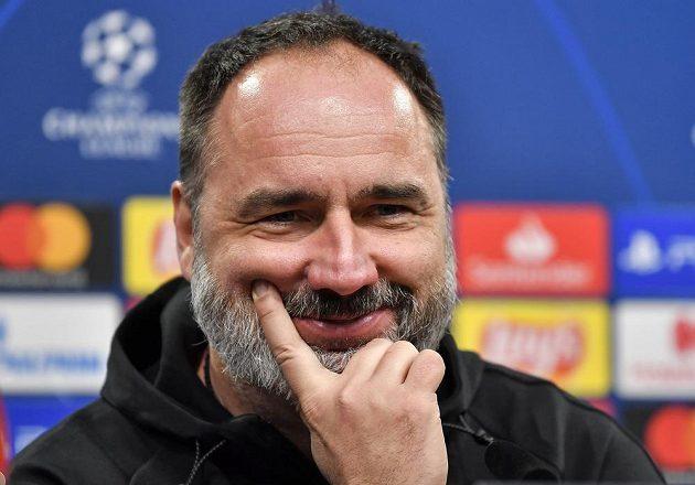 Trenér fotbalové Slavie Jindřich Trpišovský na tiskové konferenci před utkáním Ligy mistrů v Dortmundu.