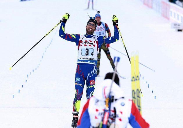 Martin Fourcade jásá v cíli - Francie má na MS biatlonistů první zlato.