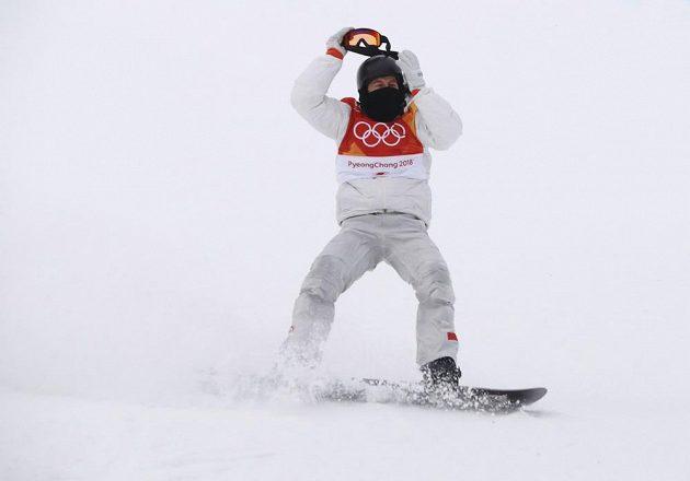 Poslední jízda finále rozhodla. Americký snowboardista Shaun White nakonec vyhrál finále U-rampy a slaví třetí olympijské zlato.