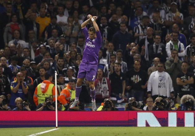 Svou branku oslavil Cristiano Ronaldo tradičním způsobem.