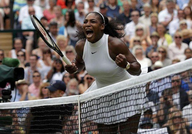 Radost Sereny Williamsové během finále tenisového Wimbledonu.