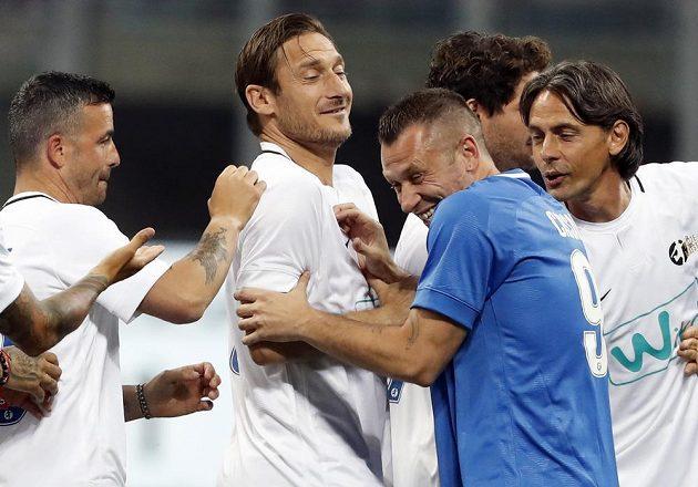Zleva Fabio Quagliarella, Francesco Totti, Antonio Cassano a Filippo Inzaghi při nedávné exhibici Andrey Pirla v Miláně.