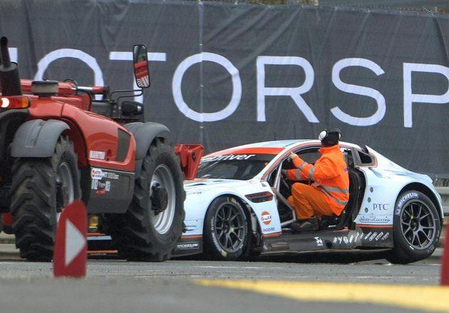 Simonsenův Aston Martin po smrtelné nehodě.