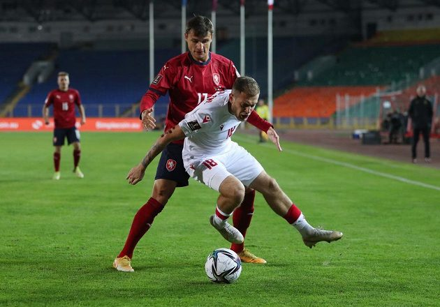 Bělorus Pavel Seďko (18) a Aleš Matějů.