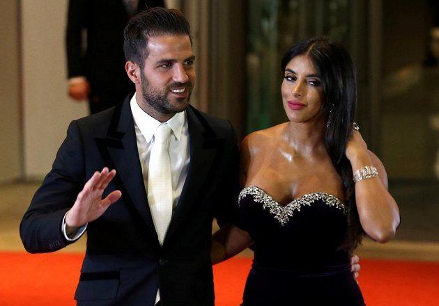 Argentinský fotbalista Lionel Messi se oženil. Gratulovat mu na svatbu přišel i bývalý spoluhráč z Barcelony Cesc Fábregas s partnerkou.