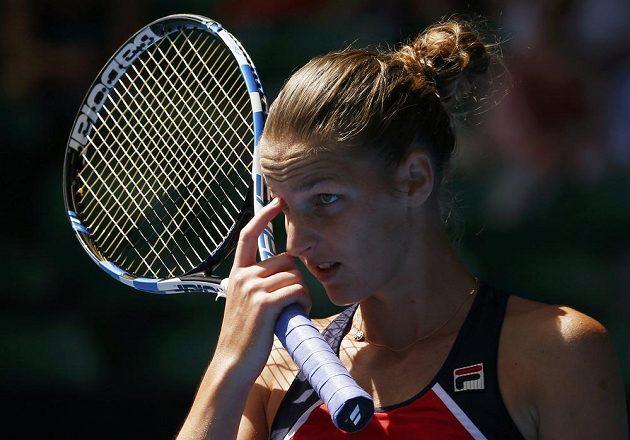 Karolína Plíšková při utkání s Chorvatkou Mirjanou Lučičovou-Baroniovou.