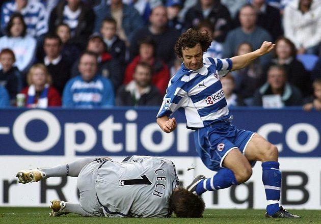 V říjnu 2006 v zápase proti Readingu odchytal Čech jen dvacet vteřin. Hned v začátku zápasu se totiž vrhl po balónu. Byl u něho sice dřív, ale Ir Stephen Hunt souboj zbytečně dohrál a kolenem gólmanovi způsobil frakturu lebky.