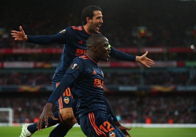 Fotbalisté Valencie se radují z úvodní branky