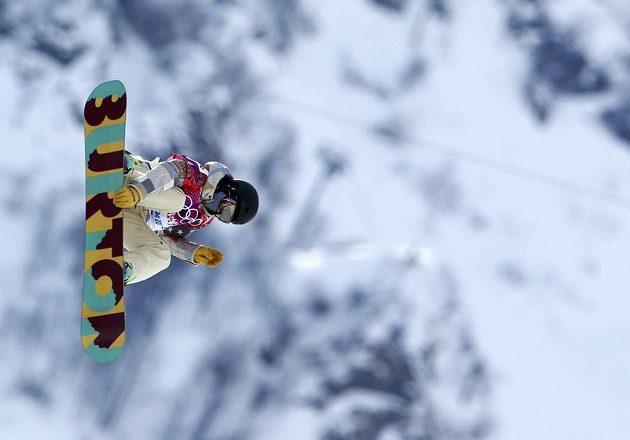 Američanka Kelly Clarková předvedla při kvalifikaci snowboardistek v U-rampě parádní jízdu.