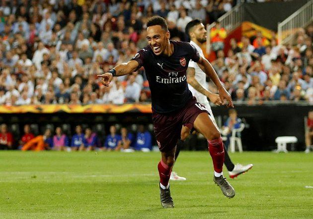Pierre-Emerick Aubameyang slaví vyrovnávací gól