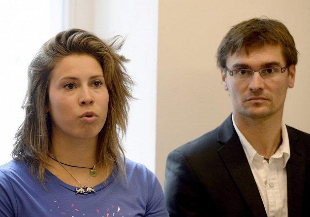 Snowboardkrosařka Eva Samková na čtvrteční tiskové konferenci.
