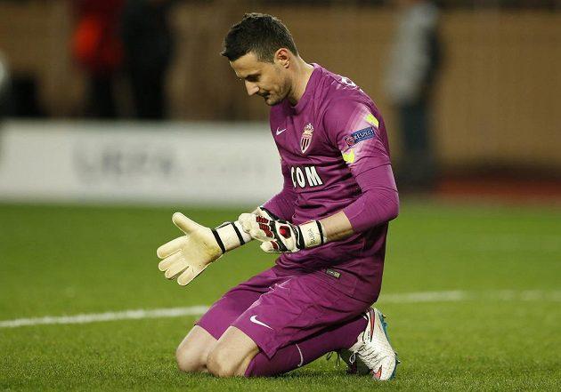 Brankář Danijel Subašič právě zachránil Monako od třetího gólu v duelu s Arsenalem.