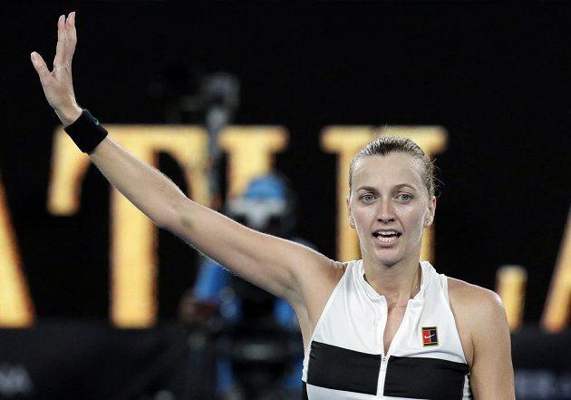 Petra Kvitová děkuje fanouškům po postupu do semifinále Australian Open.