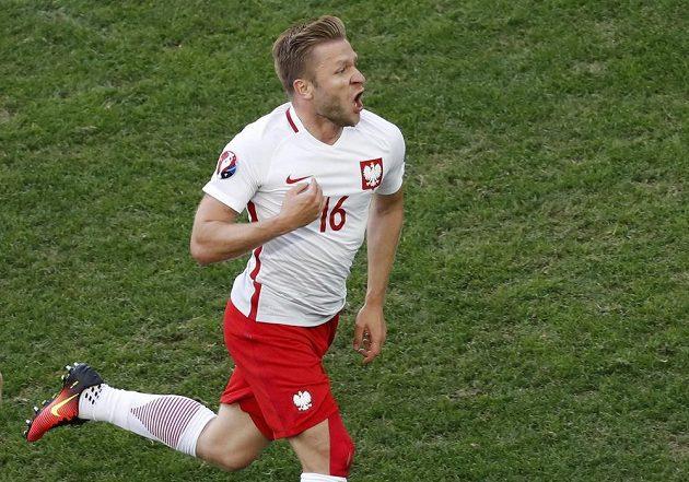 Polák Jakub Blaszczykowski oslavuje gól proti Ukrajině.