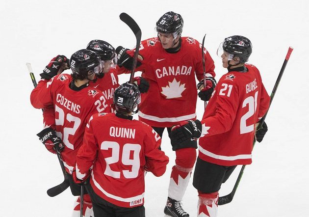 Kanadská radost v utkání s Českem ve čtvrtfinále MS dvacítek.