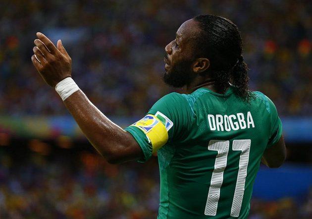 Didier Drogba v utkání s Řeckem.