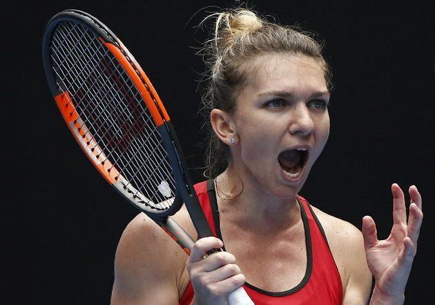 Simona Halepová v utkání s Lauren Davisovou.