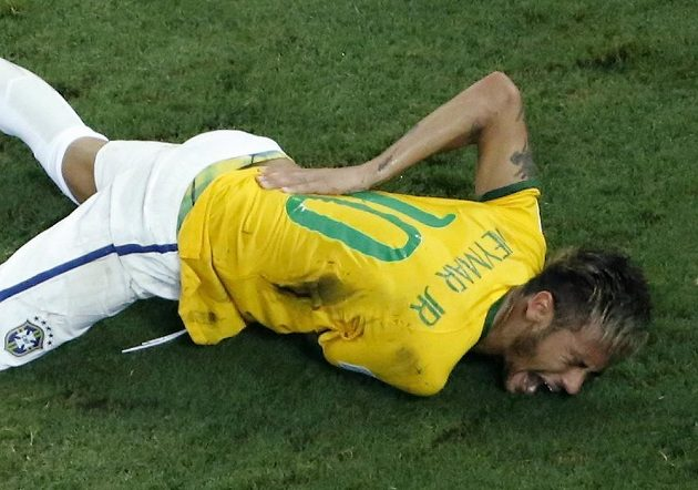 Zraněný Brazilec Neymar.