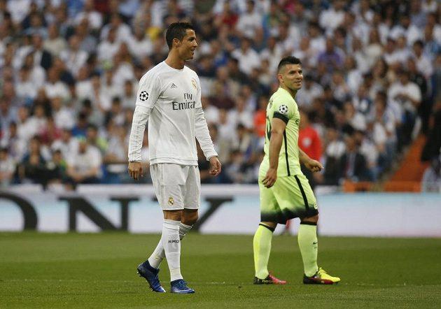 Ofenzivní hvězdy obou týmů. Vlevo útočník Realu Cristiano Ronaldo, vpravo forvard Citizens Sergio Agüero.