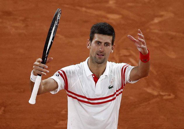 Srb Novak Djokovič po výhře nad Španělem Rafaelem Nadalem.