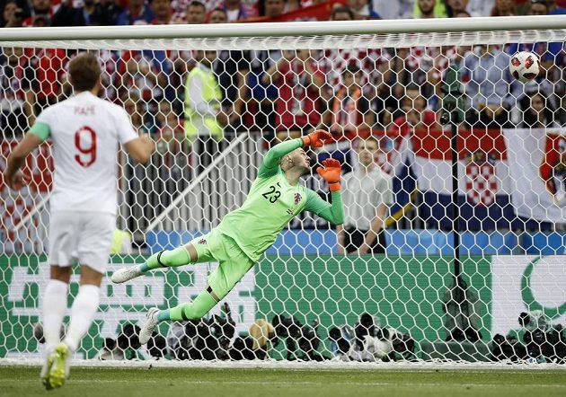 Angličan Harry Kane se sice tentokrát jen díval, ale stejně mohl slavit. Chorvatský gólman Danijel Subašič totiž neměl nárok proti ráně z trestného kopu v podání Kierana Trippiera.