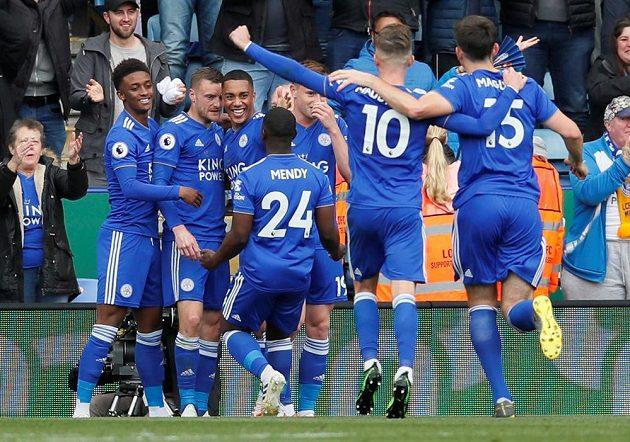Euforie fotbalistů Leicesteru v utkán proti Arsenalu.