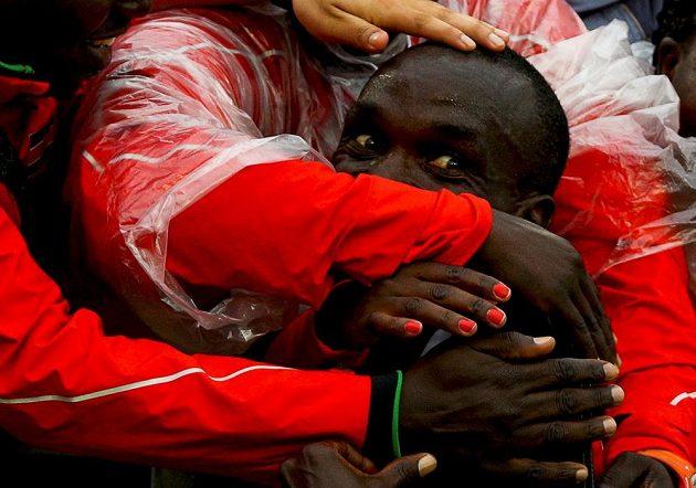 Na Sambodromu bez karnevalového kostýmu. Keňan Eliud Kipchoge coby vítěz maratónu.