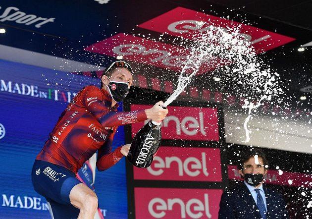 Irský cyklista Dan Martin vyhrál po samostatném úniku horský dojezd 17. etapy Gira d'Italia.