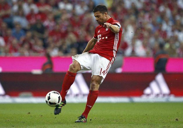 První gól tohoto ročníku bundesligy dal Xabi Alonso, nasměroval tak Bayern k jasné výhře 6:0 nad Brémami.