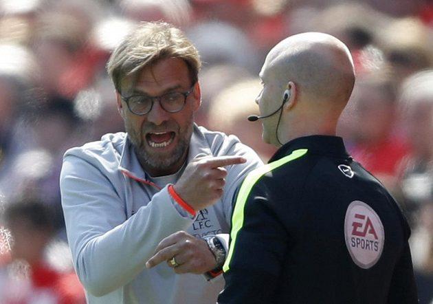 Trenér Liverpoolu JÜrgen Klopp se během duelu se Southamptonem hodně vztekal. A to i směrem k rozhodčím.