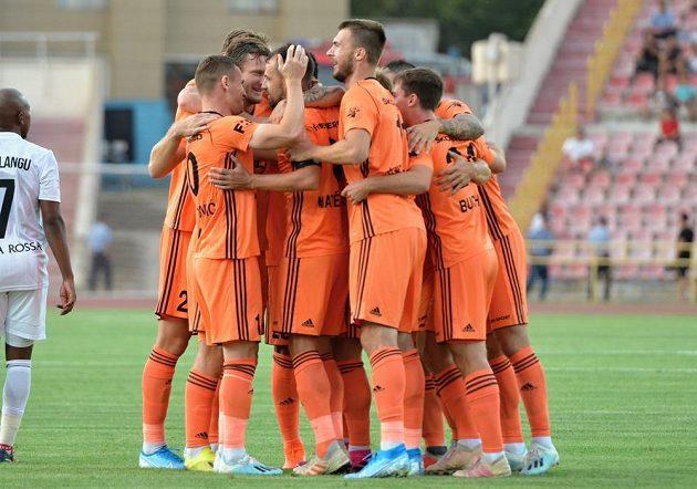 Hráči Mladé Boleslavi se radují z branky