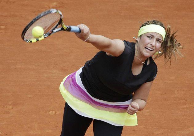 Francouzská tenistka Aravane Rezaiová v utkání proti Petře Kvitové.