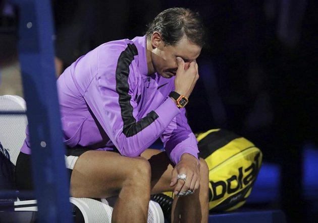Novopečeného šampiona Rafaela Nadala přemohly po vítězné finálové bitvě slzy.