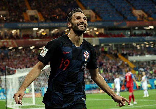 Chorvat Milan Badelj měl po vstřelení branky proti Islandu dost důvodů k radosti.