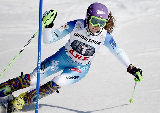 Šárka Strachová skončila ve slalomu Světového poháru v Aare třetí.