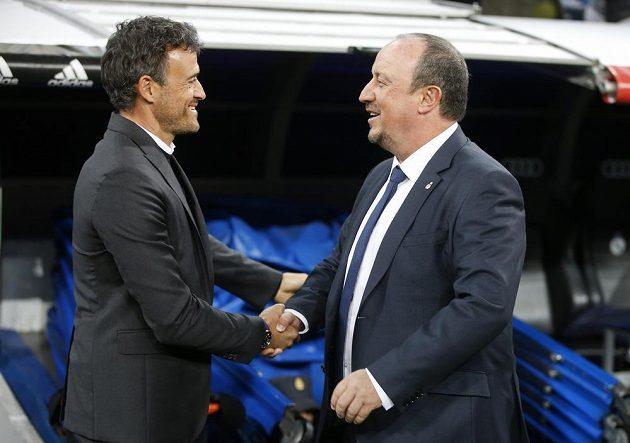 Barcelonský trenér Luis Enrique (vlevo) a kouč Realu Madrid Rafael Benítez.