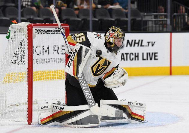 Brankář Vegas Oscar Dansk vychytal první kariérní nulu v NHL v utkání s Coloredem.
