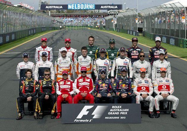 Piloti, kteří se letos utkají o titul mistra světa ve formuli 1.