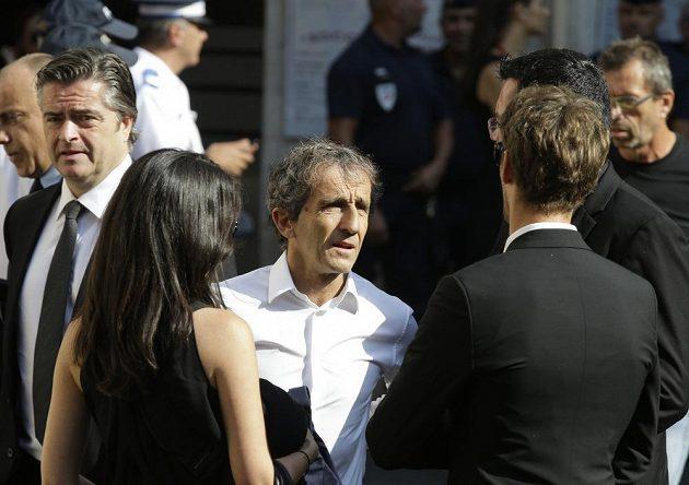 Čtyřnásobný mistr světa F1 Alain Prost na pohřbu Julese Bianchiho.