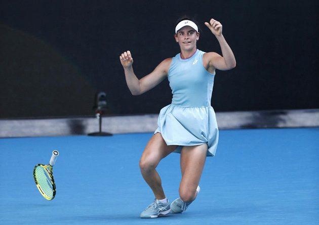 Američanka Jennifer Bradyová právě proměnila mečbol v semifinále Australian Open.