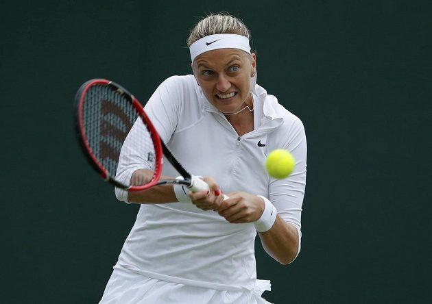 Česká tenistka Petra Kvitová v zápase s Rumunkou Soranou Cirsteaovou.
