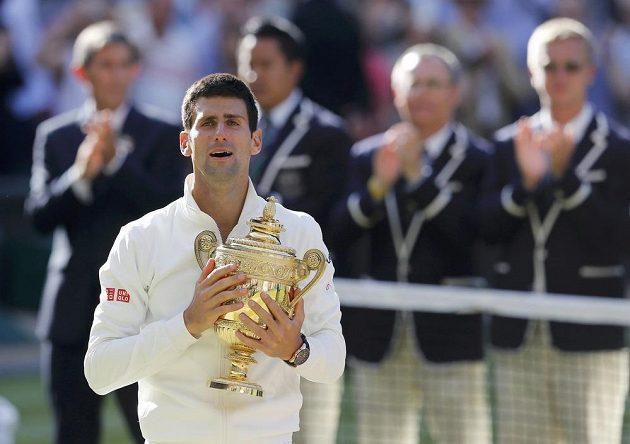 Novak Djokovič podruhé ovládl Wimbledon.